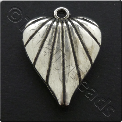 Metalised Antique Silver Heart 21x29x5mm - Striped