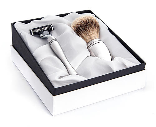 Personalised grooming gift set