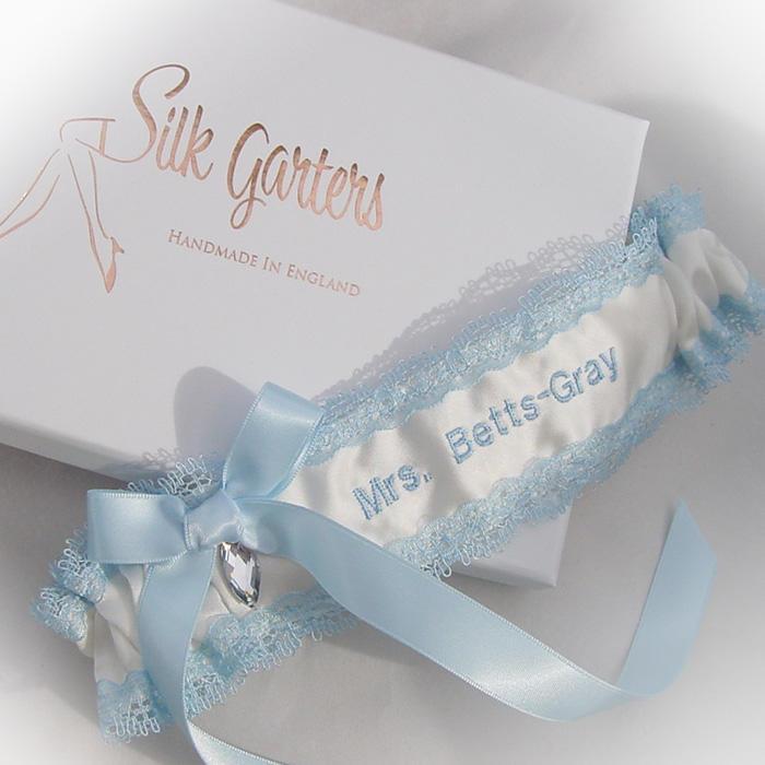 Tradition Of Wedding Garter: Wedding Garter Traditions